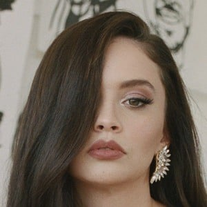 Sabrina Claudio 3 of 5
