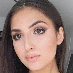 Sabrina Koun 2 of 6