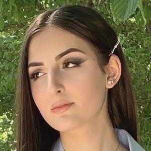 Sabrina Koun 3 of 6