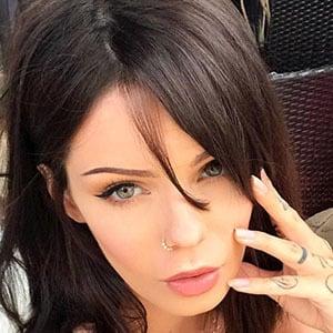Sabrina Nellie 5 of 6