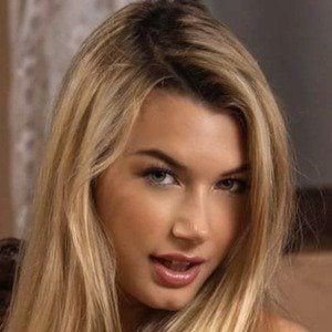 Sabrina Vaz 4 of 8