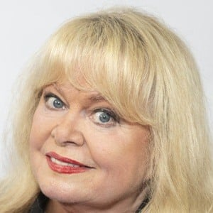 Sally Struthers 7 of 9
