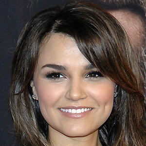 Samantha Barks 5 of 10