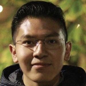 Samuel Peña Headshot 6 of 7