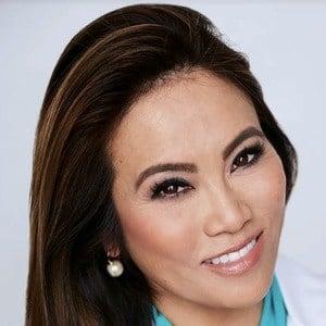 Sandra Lee 2 of 2