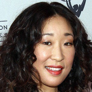 Sandra Oh 4 of 10