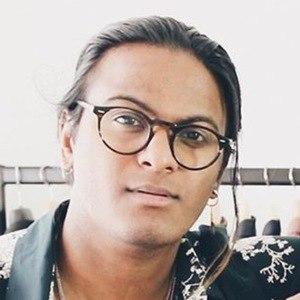 Sangiev Sriskumar 5 of 6