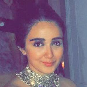Sanjana Batra 5 of 6