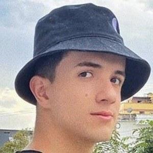 Santi Casta Headshot 7 of 10