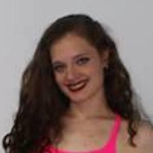 Sara Darian 8 of 10