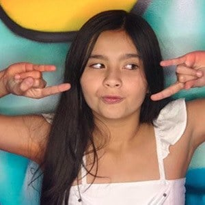 Sara Linares 5 of 6