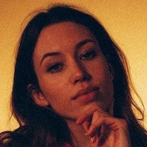 Sarah Close 4 of 10