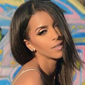 Sarah Fasha 2 of 10