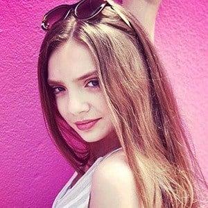 Sarah Hunt 2 of 8