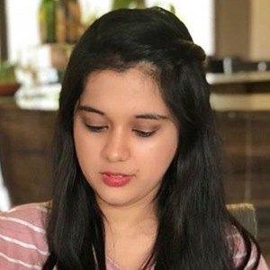 Sarah Hussain 3 of 6