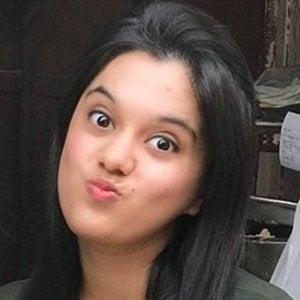 Sarah Hussain 5 of 6