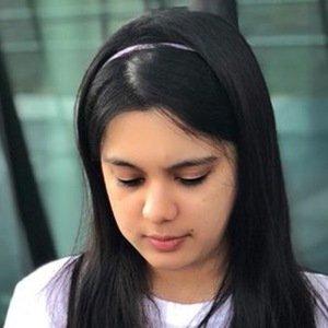 Sarah Hussain 6 of 6
