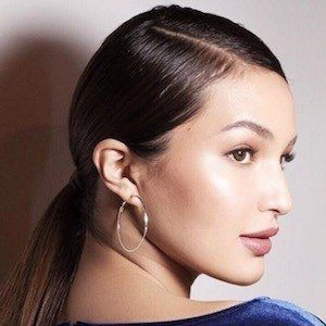 Sarah Lahbati 6 of 10