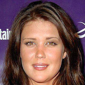 Sarah Lancaster 4 of 5