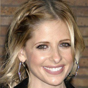Sarah Michelle Gellar 5 of 10
