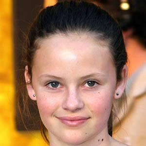 Sarah Ramos 3 of 5