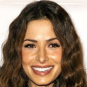 Sarah Shahi 4 of 10