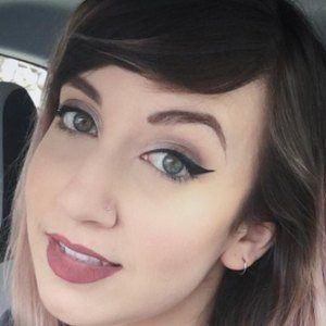 Sarah Snitch 2 of 5