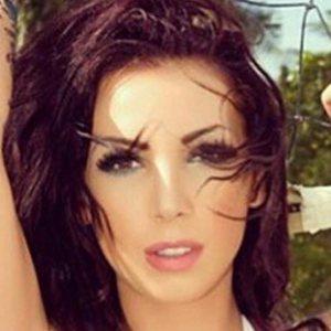 Sarah Ve Headshot 5 of 6