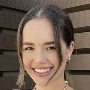 Saraí Meza Headshot 9 of 10