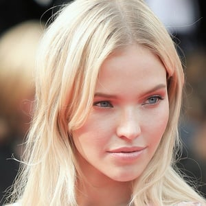 Sasha Luss 2 of 2