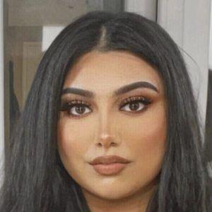 Sasha Malik Headshot 6 of 10