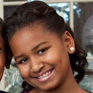 Photo Of Malia Obama >> Sasha Obama - Bio, Facts, Family | Famous Birthdays