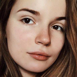 Sasha Spilberg 3 of 10