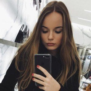 Sasha Spilberg 5 of 10