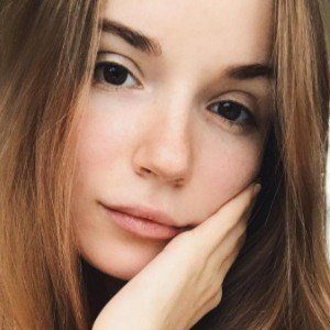 Sasha Spilberg 8 of 10