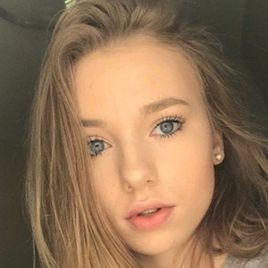 Savannah Rene 7 of 7