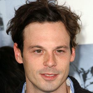 Scoot McNairy 5 of 5