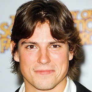 Sean Faris 4 of 10
