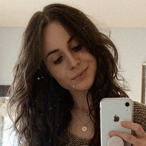 Sedona Christina Headshot 2 of 7