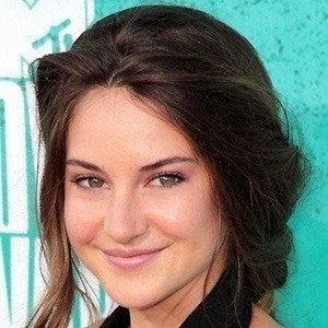 Shailene Woodley 2 of 9