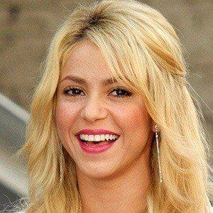 Shakira 5 of 9