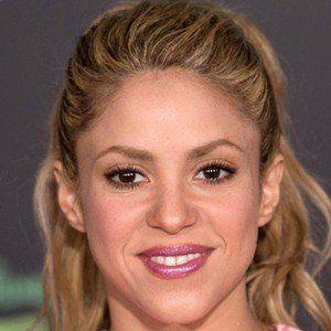 Shakira 6 of 9