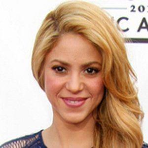 Shakira 8 of 9