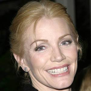 Shannon Tweed 2 of 5