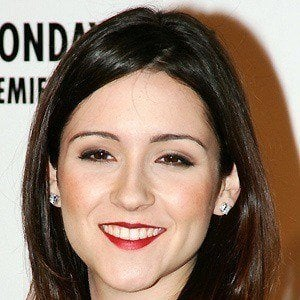 Shannon Woodward 5 of 10