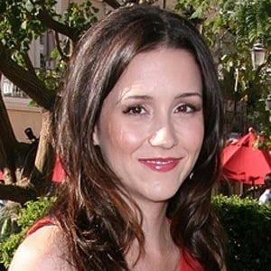 Shannon Woodward 7 of 10