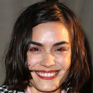Shannyn Sossamon 2 of 5