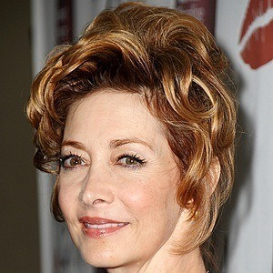 Sharon Lawrence 8 of 10
