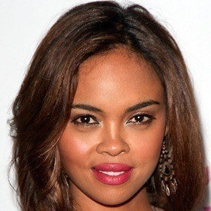 Sharon Leal 3 of 5