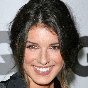Shenae Grimes 4 of 10
